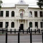 Cât de mare ar trebui să fie o ambasadă?