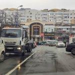 Parcările cu plată sunt goale, iar străzile ticsite cu mașini. Ce să facem?